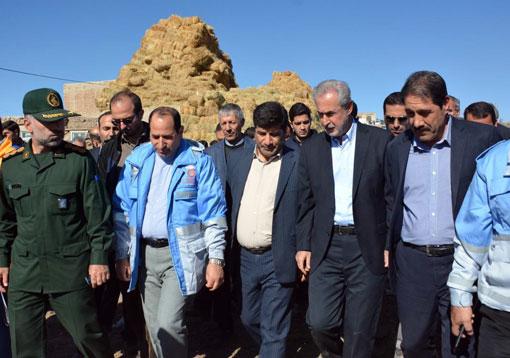 بازدید استاندار و رئیس سازمان جهادکشاورزی استان از دو روستای زلزلهزده در شهرستان سراب