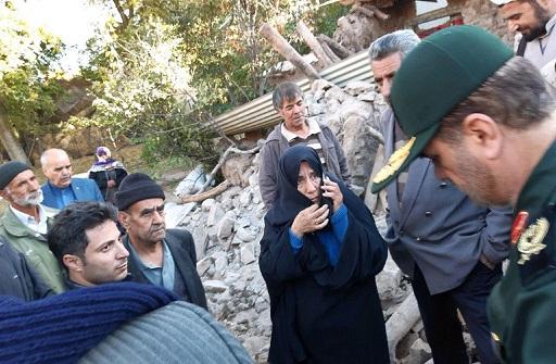 حضور فرمانده سپاه عاشورا از اولین ساعت در منطقه  زلزله زده شهرستان میانه